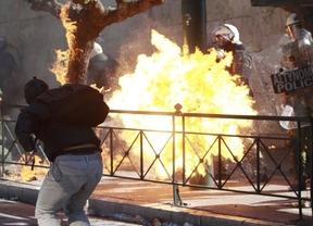 Grecia se paraliza con la primera de 2 jornadas de huelga general y Portugal se prepara para el 24-N