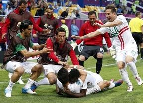 Eurocopa 2012: Varela mantiene con vida a Portugal (2-3)