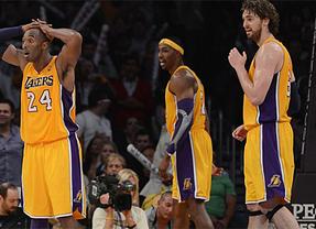 Pau Gasol y sus Lakers siguen en caída libre: hasta los débiles Pacers los derrotan (77-79)