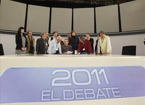 El debate empieza antes en Twitter que en la televisión y Anonymous lo vigila de cerca