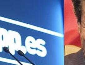 El PP, lanzado electoralmente, pero de nuevo fraccionado tras el 'golpe' de Cascos