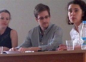 Snowden confía que Rusia le de asilo mientras encuentra garantías para viajar a Latinoamérica