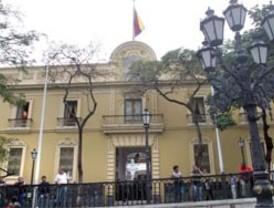 Venezuela pide cese de