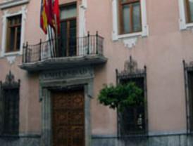 Aprueba 13 título de master de la Universidad de Murcia y uno de la UCAM