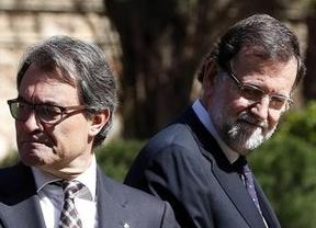 Rajoy y Mas vuelven a aparcar sus diferencias para celebrar el funeral por las víctimas del avión de Germanwings