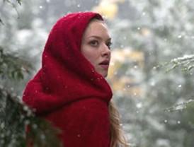 Caperucita Roja ya tiene cara real: la de Amanda Seyfried