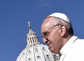 El Papa sigue 'francisqueando': denuncia la 'tiranía' del sistema económico y reconoce que la Iglesia no ha ayudado a las mujeres ante el aborto