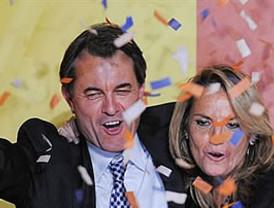 Arrasa Artur Mas, debacle del tripartito y el PP se convierte en tercera fuerza política