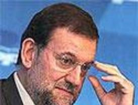 Rajoy califica de 'prosaica' la polémica surgida por la biografía de Esperanza Aguirre