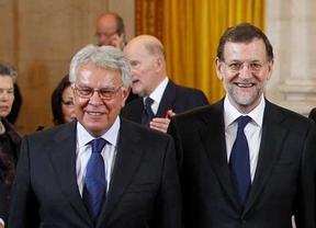 Mariano Rajoy busca en Felipe González el apoyo que le niega Aznar