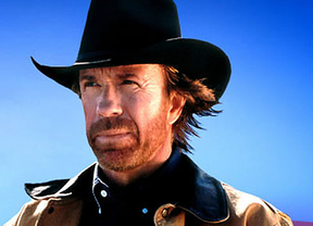 Chuck Norris, preocupado por los niños, obliga a cambiar la clasificación de 'Mercenarios 2'