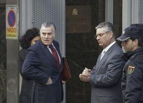 Bárcenas contradice ante el juez la versión de Cospedal sobre su cese como tesorero en el PP
