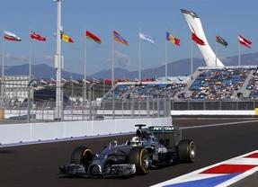 Hamilton vence en Rusia y Alonso termina sexto