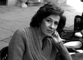 Julia Navarro presenta 'Dispara, yo ya estoy muerto' en la Biblioteca de Castilla-La Mancha