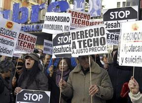 El PSOE decide, ahora sí, recurrir ante el Constitucional la Ley Antidesahucios como le pedía la PAH