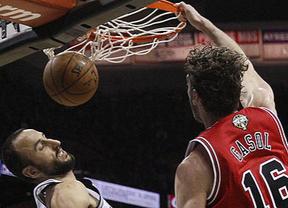 Con uno no basta si los demás Bulls no embisten: Gasol se salva del naufragio de su equipo ante los Spurs  (106-95)