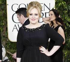 Adele lució su embarazo en la gala de los Globos de Oro