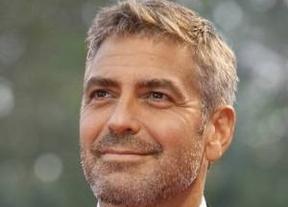 Que George Clooney te invite a cenar... ¡y no reconocerle!