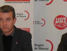 Cerca de 40.000 personas se movilizan tras acuerdo entre Gobierno y varios sindicatos y exigen dimisión de Valcárcel