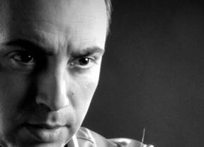 Manuel Fernández: el flamenco más puro y jondo 'Por arte de magia' y de su enorme calidad de cantaor