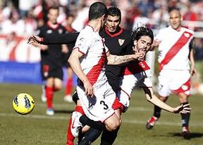 El Sevilla, pese a contar con Reyes, sigue a la baja y le parte el Rayo (2-1)