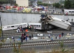 El tren descarriló a 153 km/h con el conductor hablando por teléfono