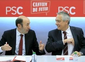 PSOE y PSC sellan un documento para impulsar el federalismo como superación del reto de Mas
