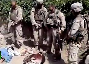 Identifican a dos de los marines que orinaron sobre cadáveres talibanes