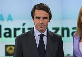 Aznar atrae a más medios que Rajoy, pero a pocos 'populares' de peso