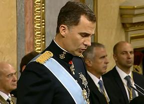 Mas y Urkullu dedicaron un breve aplauso a Felipe VI