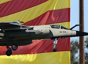 La histeria en Cataluña por la presencia de aviones militares en su espacio aéreo quedaría injustificada