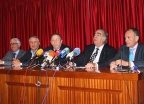 Ramón Ochoa, segundo por la derecha