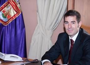 Escándalo en Canarias: el 'heredero' de Paulino Rivero, imputado por 4 presuntos delitos