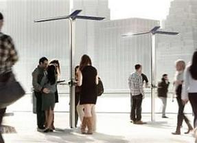 Nueva York estrena 25 estaciones de recarga solar para dispositivos móviles