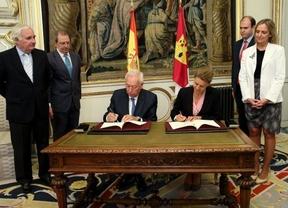 Cospedal y Margallo firman la integración de la oficina de Castilla-La Mancha en Bruselas en la de España