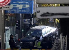 El conductor que estrelló su coche contra la sede del PP asegura que su plan es atentar contra todos los políticos