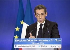 El triunfal regreso del emperador Sarkozy: arrasa en las departamentales francesas batiendo a la peligrosa Le Pen