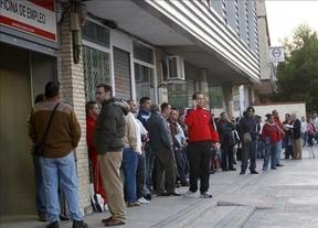 Más 'brotes grises': el 23% de los parados en 2013 llevaba tres o más años desempleado