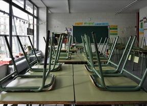 Profesores, padres y alumnos convocan una huelga general de Educación mientras Wert presume de inversión en becas
