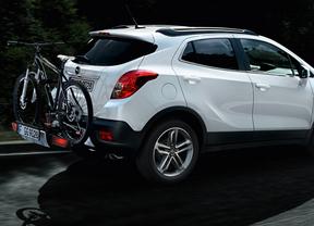 Opel y Specialized renuevan su acuerdo para el uso de coches y el sistema 'FlexFix'