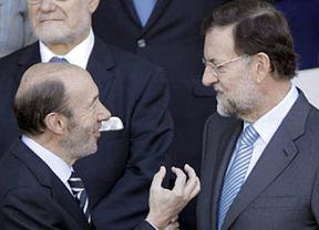 Rubalcaba advierte al Gobierno: que la banca 'no nos cueste ni un euro a los españoles'
