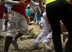 Dramático encierro en los Sanfermines: 23 heridos, tapón al final de la carrera y un joven de Vitoria, muy grave