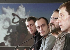 Decepción: la izquierda abertzale, rodeada de etarras, no exige la disolución de la banda terrorista
