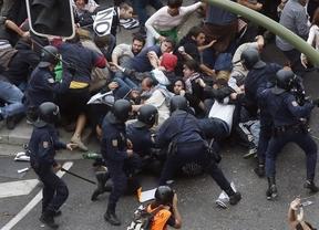 El Gobierno desmiente la brutalidad y la represión policial: cree que se actuó 'magníficamente'