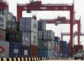 Más brotes verdes: el déficit comercial baja casi un 15% en el primer trimestre de este año