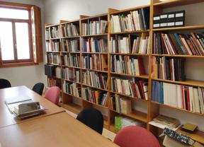 La Real Academia Conquense de Artes y Letras abre al público su biblioteca