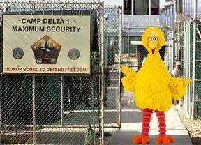 El 'arma secreta' de Guantánamo: poner canciones de 'Barrio Sésamo' a los presos