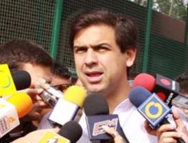 Autorizan al presidente Felipe Calderón y a su esposa aceptar y usar condecoraciones del gobierno español