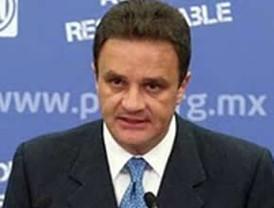 Niega el panista Luis Felipe Bravo que deje contienda en el Estado de México