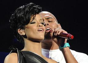 Rihanna acompaña a Chris Brown al juicio por no cumplir la pena que le impusieron cuando la agredió